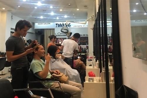 thong hair salon