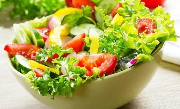 salad ca chua