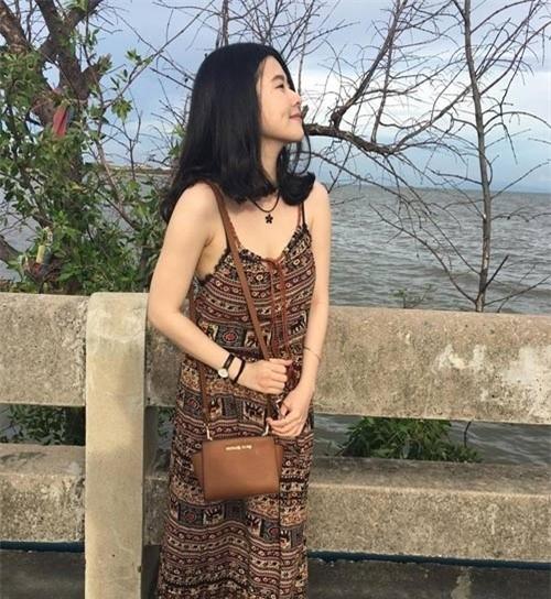 Khi mang bầu, Huyền Trang không tăng cân nhiều nên cô lấy lại vóc dáng khá nhanh sau sinh.