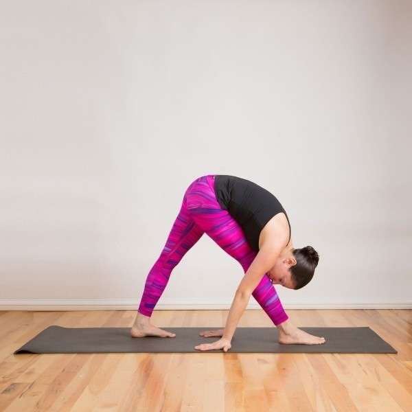 yoga giam beo side stretch pose