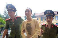 Trả tiền cho đại gia, hoa hậu Phương Nga có thoát tội?