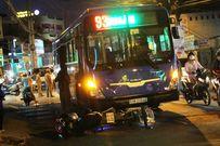 Nữ sinh lớp 8 bị xe buýt cán nát tay sau cú ngã