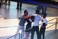Chính thức cấm bay đối với hai hành khách đánh nữ nhân viên hàng không