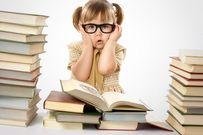 Trẻ cận thị vì 3 lỗi chăm con phổ biến cha mẹ nào cũng mắc phải