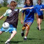 8 lý do ba mẹ nên khuyến khích trẻ chơi thể thao thường xuyên
