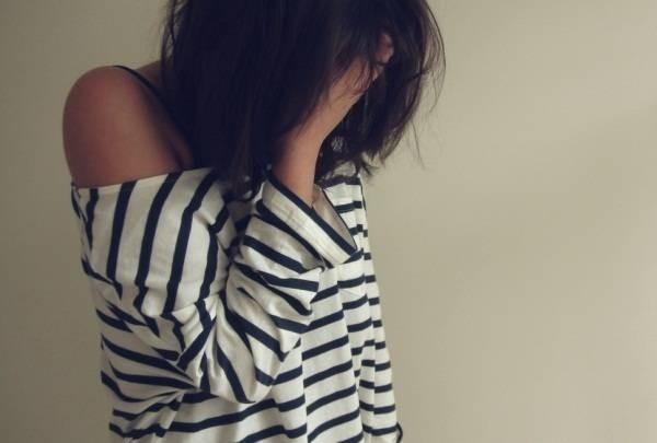 6773-cry-girl-hair-hand-lonely-favimcom-335125.jpg