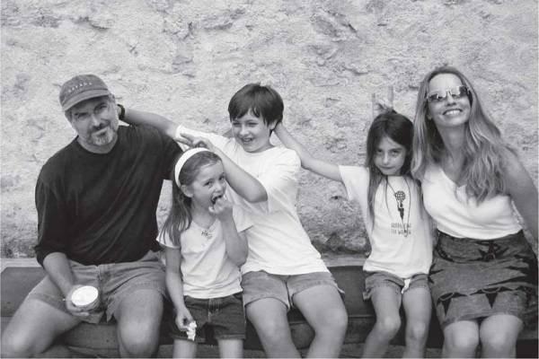 6841-stevejobsfamily.jpg