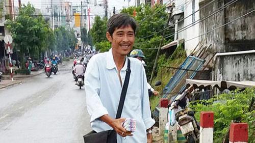 gia-dinh-trung-92-ti-tang-nguoi-ban-ve-so-50-trieu-dong-trungso.jpg
