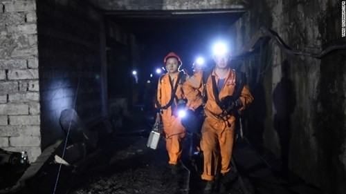 no gas tai mo than 15 nguoi thiet mang hang chuc nguoi mat tich 161031113816_02_chongqing_mine_disaster_restricted_exlarge_169_pmxp.jpg