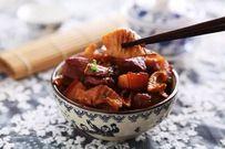 Vào bếp học cách nấu thịt kho măng khô cực ngon cho ngày cuối tuần