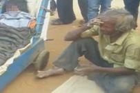 Không có tiền thuê xe cứu thương, cụ ông kiệt sức vì kéo xe đưa thi thể vợ về nhà