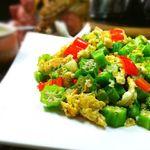 Cách làm món đậu bắp xào trứng đơn giản mà lại rất trôi cơm và bổ dưỡng