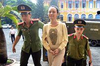 """Vụ hoa hậu Phương Nga: Ông Cao Toàn Mỹ tố người tung """"hợp đồng tình dục"""""""
