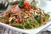 Cách làm nộm rau muống thịt bò giòn ngọt và ngon cơm