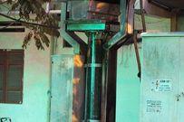 """Hà Nội: Nhiều người """"đánh cược"""" mạng sống của mình dưới trạm điện"""
