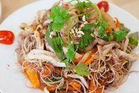 Bữa tối no nê cùng gỏi hoa chuối thịt gà thơm ngon, bổ dưỡng