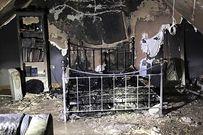 Sạc điện thoại xuyên đêm, căn phòng đẹp bỗng tan hoang như địa ngục