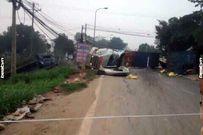 Hà Nội: Thùng xe container văng xuống đường, 2 người tử nạn