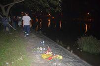 Cãi nhau với chồng, người mẹ ôm hai con nhảy xuống sông tự tử