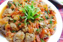 Trổ tài làm món thịt viên sốt cà chua trẻ nào cũng thích mê mẩn