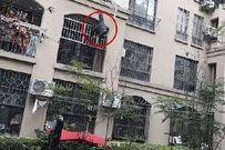 Sự sống sót không ai ngờ của cụ ông 90 tuổi rơi từ chung cư cao tầng