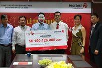 Người trúng hơn 56,1 tỷ đồng xổ số đến nhận giải, trao 1 tỷ đồng làm từ thiện