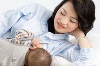 Trẻ sơ sinh bị táo bón mẹ nên ăn gì để mát sữa cho con bú?