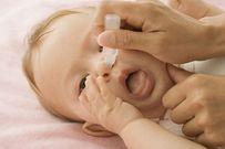 Chia sẻ cách rửa mũi cho trẻ sơ sinh đúng và an toàn nhất theo hướng dẫn y tế