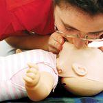 Các bước xử lý nhanh trẻ sơ sinh bị sặc sữa lên mũi để tránh nguy hiểm tính mạng