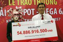 Người phụ nữ Vĩnh Long nhận gần 55 tỷ đồng trúng xổ số