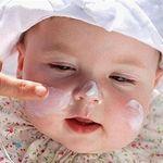Cách chăm sóc trẻ sơ sinh bị khô da tại nhà hiệu quả