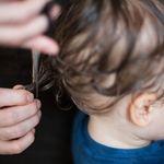 Khi nào cắt tóc cho trẻ sơ sinh là phù hợp và tốt cho sự phát triển của trẻ nhất?