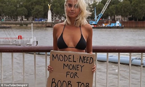 nguoi mau mac bikini cam bang xin tien nguoi qua duong de nang nguc 7.jpg
