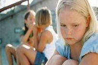 """Dạy trẻ lên 3 cách """"đối phó"""" khi bị bạn bè bắt nạt"""